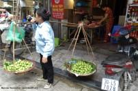 Straatverkoop in Hanoi