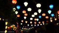 De lampionnen at night